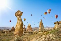 Hete lucht het ballooning in Cappadocia, Turkije royalty-vrije stock fotografie