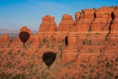 Hete lucht het ballooning over sedona Arizona royalty-vrije stock afbeelding