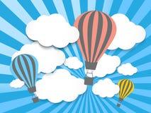 Hete luchtballon in de blauwe hemel Royalty-vrije Stock Afbeelding