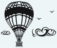 Hete luchtballon in de hemel Stock Foto