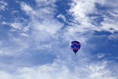 Hete luchtballon die in Taitung Luye Gaotai vliegen Royalty-vrije Stock Fotografie