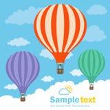 Hete luchtballon en wolken Royalty-vrije Stock Afbeeldingen