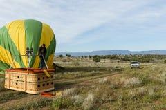 Hete luchtballon het laten leeglopen Stock Afbeeldingen