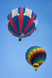 Hete Luchtballon op de Zomerdag Royalty-vrije Stock Afbeeldingen