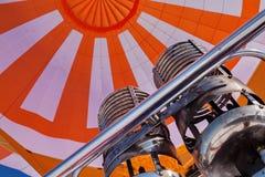 Hete luchtballon tijdens de vlucht Stock Fotografie