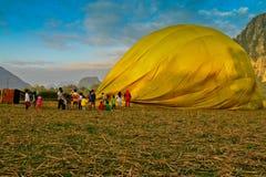 Hete luchtballon in Vang Vieng, Laos stock fotografie