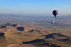 Hete luchtballons bij zonsopgang in Turkije Royalty-vrije Stock Foto