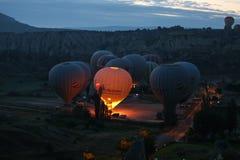 Hete Luchtballons in Cappadocia-Valleien Royalty-vrije Stock Afbeeldingen
