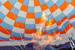 Hete luchtballons in de hemel royalty-vrije stock afbeeldingen