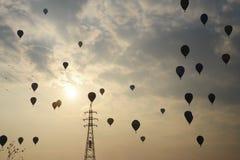 Hete luchtballons in de hemel Royalty-vrije Stock Fotografie