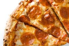 Hete pepperonispizza royalty-vrije stock afbeeldingen