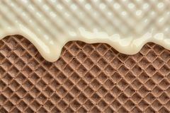 Hete witte chocolade op wafeltje, close-up stock foto's