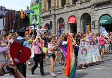 heterosexu游行参与者骄傲多伦多 免版税库存图片