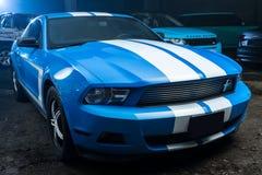 Hetwitte Ford Mustang-stemmen Stock Afbeeldingen
