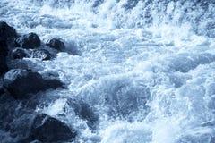Hetzendes Wasser Stockfoto