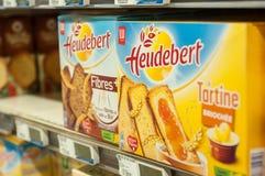 Heudebert от сухарей бренда LU compagny в желтой коробке на супер супермаркете u стоковое фото