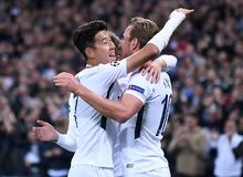 Heung-Min Son and Harry Kane celebrate goal. Football players pictured during the UEFA Champions League Group H game between Tottenham Hotspur and Borussia Stock Photos