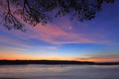 Heure avant lever de soleil à la frontière du Mekong, de la Thaïlande et du Laos photographie stock libre de droits