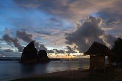 Heure bleue à la plage de Tanjung Layar Images libres de droits