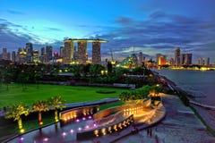 Heure bleue au barrage de marina de Singapour Image libre de droits