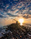 Heure bleue au port Makassar d'Untia Image libre de droits