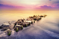 Heure d'or, paysage paisible de mer après coucher du soleil Image libre de droits