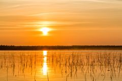 Heure d'or sur le lac Image libre de droits
