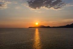 Heure de coucher du soleil en Santos, Brésil images libres de droits