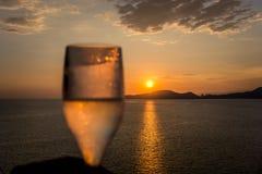 Heure de coucher du soleil en Santos, Brésil images stock