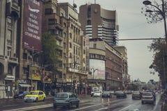 Heure de pointe de jour pluvieux, Bucarest, Roumanie Photos stock