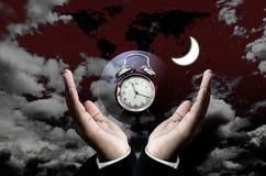 Heure de se réveiller pour le travail au concept de nuit Photos libres de droits