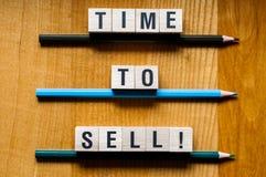 Heure de vendre le concept de mot photo stock