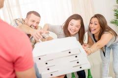 Heure pour la partie de pizza Images libres de droits