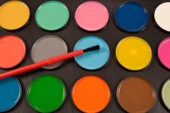 Heure pour la peinture. Photo libre de droits