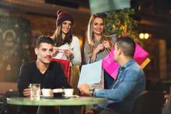 Heure pour un café après des achats réussis Photographie stock