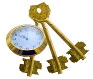Heures et trois vieilles clés en métal Photos stock