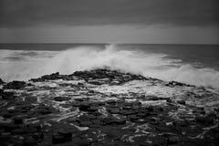 Heurté par des vagues Photo libre de droits