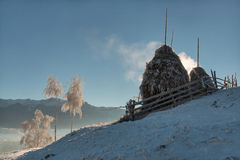 Heuschober für Wintertage Lizenzfreie Stockfotos