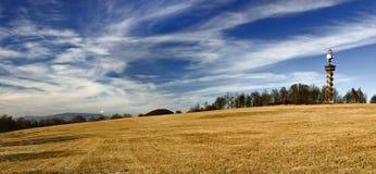 Heuvel en hemel Royalty-vrije Stock Afbeeldingen