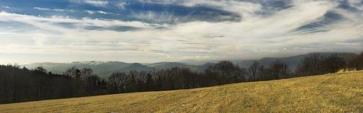 Heuvel en hemel Royalty-vrije Stock Afbeelding