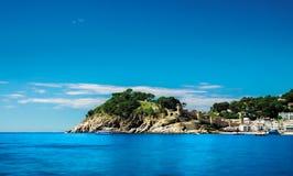 Heuvel en overzees van Tossa de Mar, Costa Brava, Spanje Stock Foto