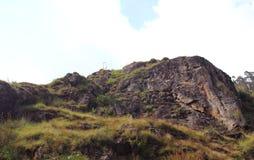 Heuvel met hemellandschap Stock Foto