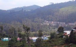 Heuvel met huizenlandschap Royalty-vrije Stock Foto
