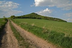 Heuvel Ostrzyca, Polen stock foto