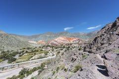 Heuvel van Zeven Kleuren in Jujuy, Argentinië stock afbeeldingen
