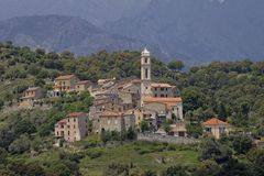 Heuveldorp van Soveria, dichtbij Corte in het centrum van Corsica, Frankrijk Royalty-vrije Stock Fotografie