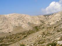 Heuvelig landschap van Krk, Kroatië Stock Fotografie