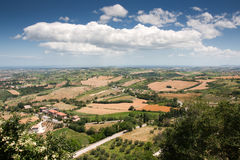 Heuvelig platteland van le Marche, Italië Stock Fotografie
