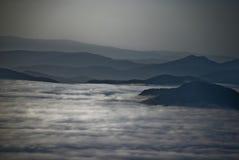 Heuvels en wolken Royalty-vrije Stock Afbeeldingen