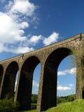 hevenden viaducten Royaltyfri Fotografi